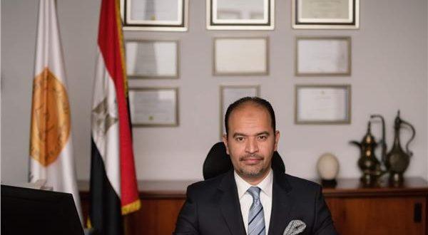 عبد العزيز نصير مدير المعهد المصرفي